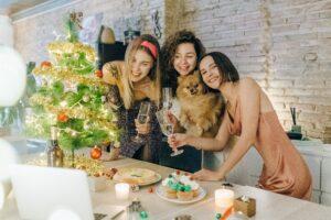 Nie lubisz firmowych imprez świątecznych? Poznaj pomysły na zdalną zabawę