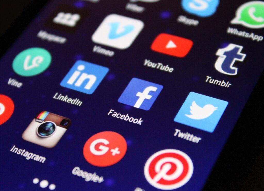 Internet i media społecznościowe