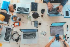 Czy cyfryzacja twojej firmy może pomóc uszczęśliwić klientów? Które jej aspekty mają największe znaczenie?