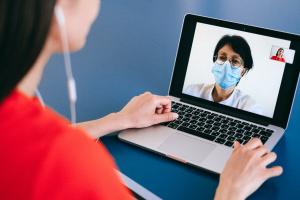 Cyfryzacja w służbie zdrowia – te usługi na zawsze zmienią Twoje podejście do leczenia!